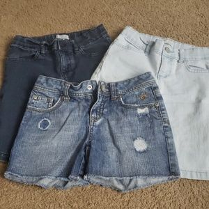⭐$7 ea. Or 3/$15⭐Denim shorts sizes 6/7 & 8